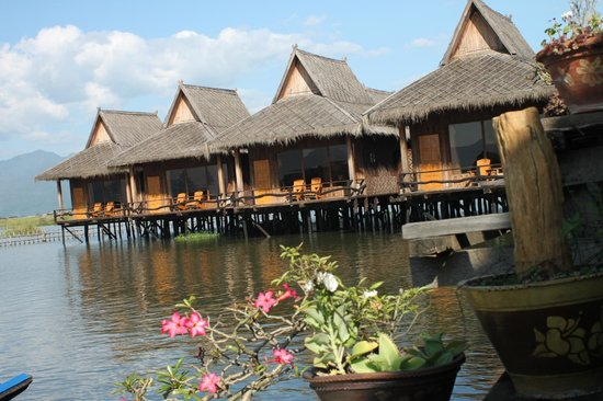 Shwe Inn Tha Floating Resort : The Shwe Inn Tha Floating  Resort,  a close up of the guest bungalows...