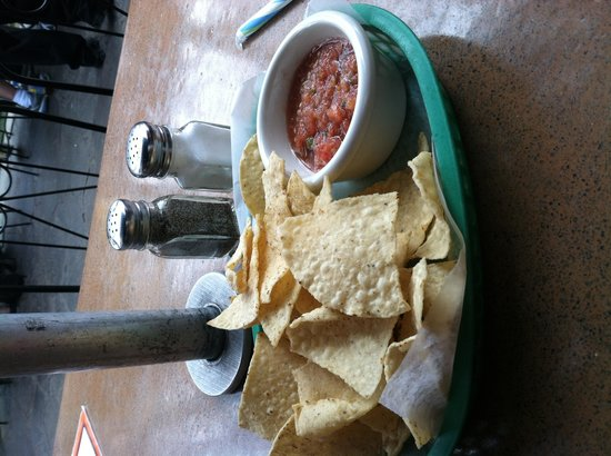 Casa Rio: Blah chips and dip