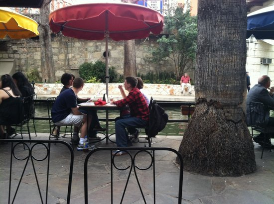 Casa Rio: Outside seating