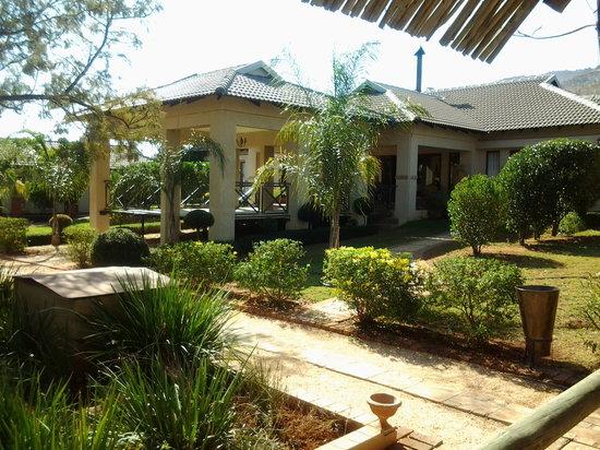 Thaba Legae Guest Lodge : stoep