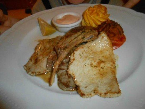 Hotel Ladinia : Carne alla griglia