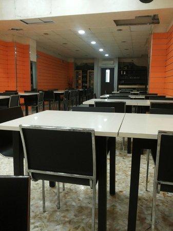 Istanbul Doner Kebab: Sala interna