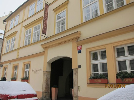 Hotel Leonardo Prague: Facade de l'hôtel