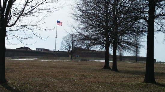 Fort McHenry National Monument : The Star Spangled Banner o'er the ramparts