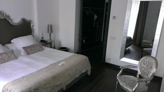 Hotel Hospes Puerta de Alcala: Stylish room