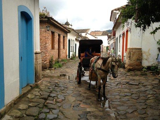 Pousada do Ouro : rue près de l'hotel