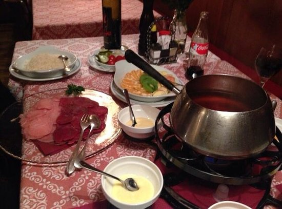 Restaurant Baren: Meat fondue (broth-definitely better than oil)