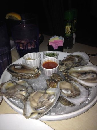 Lucky Pelican : Fresh Oysters