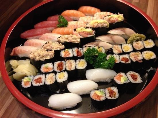 Yamato Sushi Bar : sushi mixte