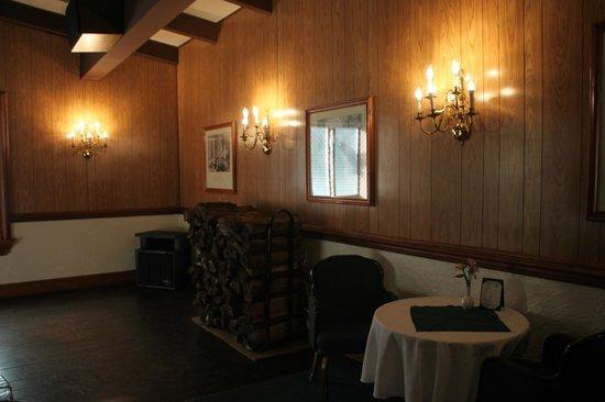 Normandie Farm: Lounge with Dance Floor
