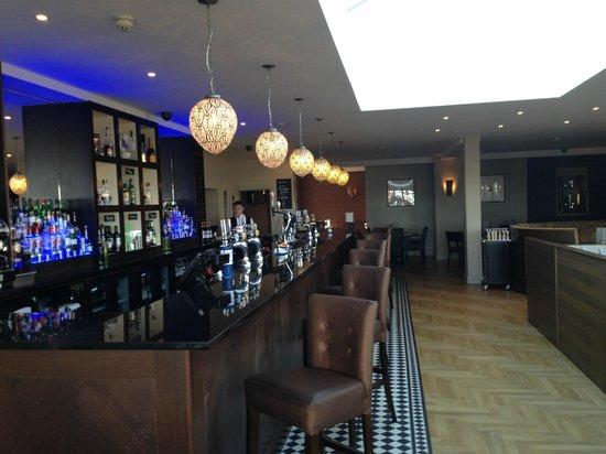 Cliff Hotel: The Main Bar