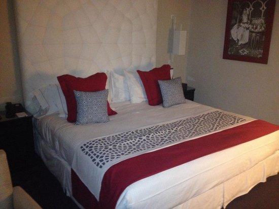 Hotel la Tour Hassan: Bed