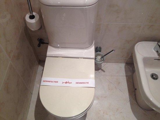 Hotel la Tour Hassan: Bathroom 2