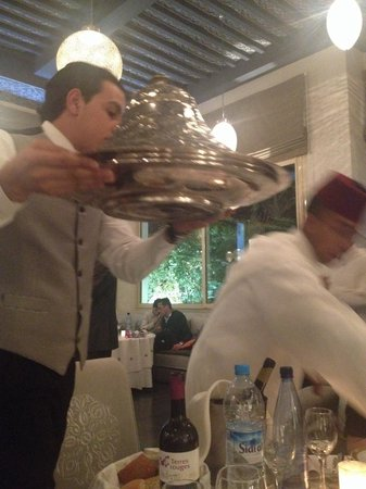 Hotel la Tour Hassan: Restaurant