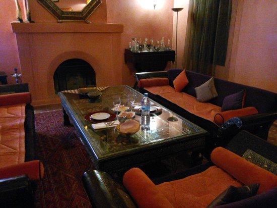 Al Riad Inou : Cena per due in un salone bellissimo