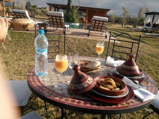 Al Riad Inou: Pranzo appena arrivati...
