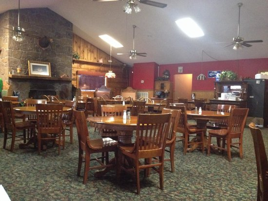 Monte Real Mexican Restaurant: Non-traditional Mexican decor, but try it!