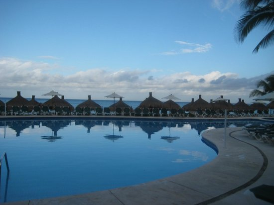 Occidental Cozumel: Pool/beach
