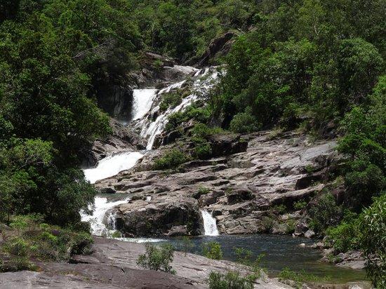 Behana Gorge Waterfall: Beautiful water - cool, calm and clear