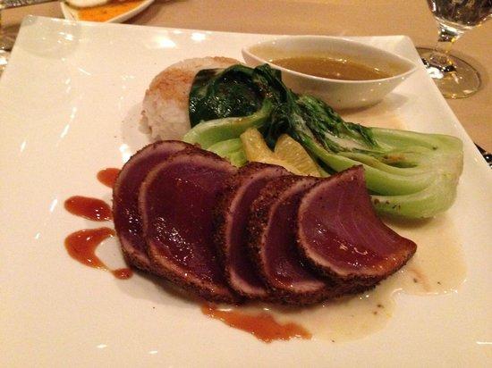 Terra Bistro: Ahi Tuna. Great vinaigrette!