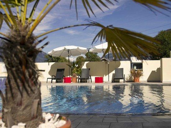 Hotel & Resort Schlosshof: Pool