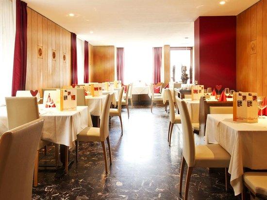 Hotel & Resort Schlosshof : Dining room
