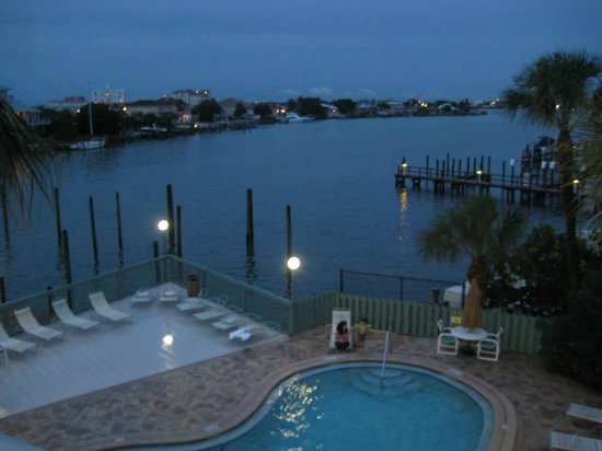 Clearwater Beach Hotel : view from our door