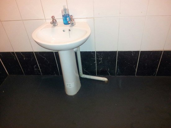Teign Cellars: Toilets- very basic and cleanish.