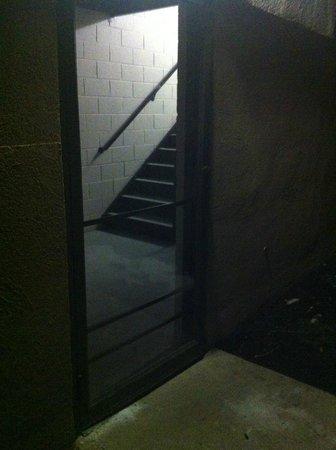 Holiday Inn Philadelphia South-Swedesboro : Back door with no card access
