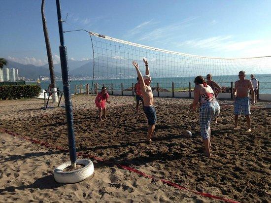 Melia Puerto Vallarta All Inclusive: beach volleyball