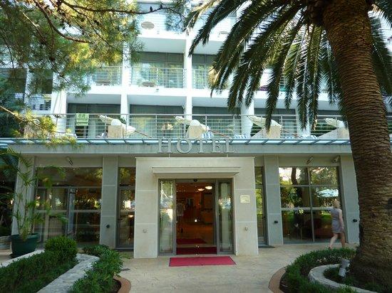 Hotel Rivijera : Центральный вход в отель