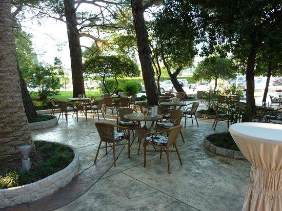 Hotel Rivijera : Вам свегда предложат чашку кофе ..
