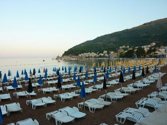 Hotel Rivijera: Городской пляж.  Утро.