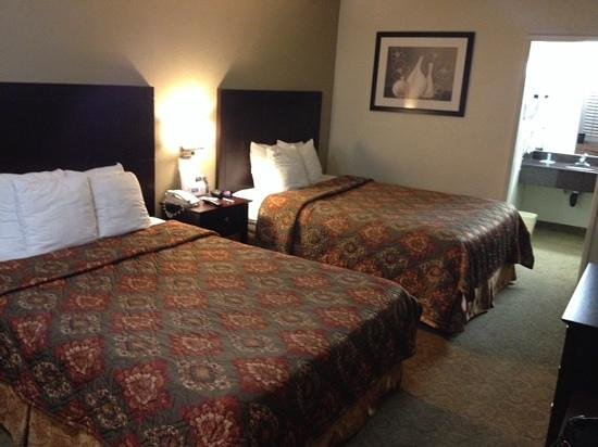 Rodeway Inn Convention Center: Room 312