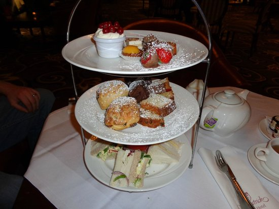 Killiney, Irland: Afternoon tea