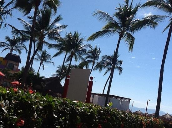 Royal Decameron Complex: a great hot suuny day