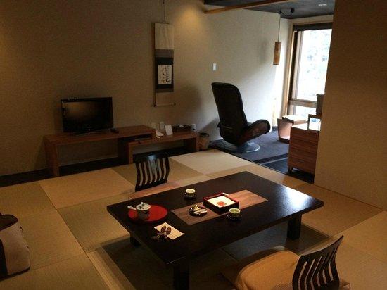 Hotel Iyaonsen : 部屋