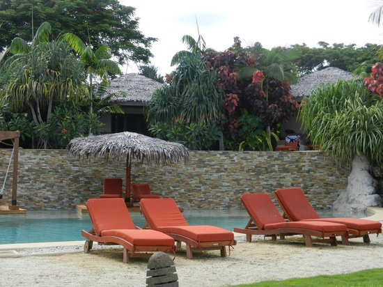 The Havannah, Vanuatu : Looking at the lagoon villas