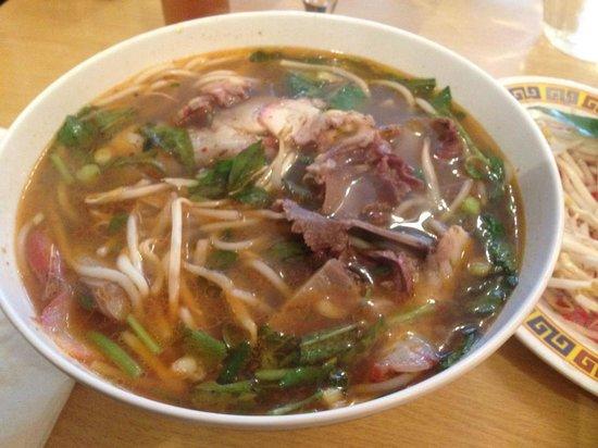 Chez Yu : Bun Bo Hue - tasty and meaty