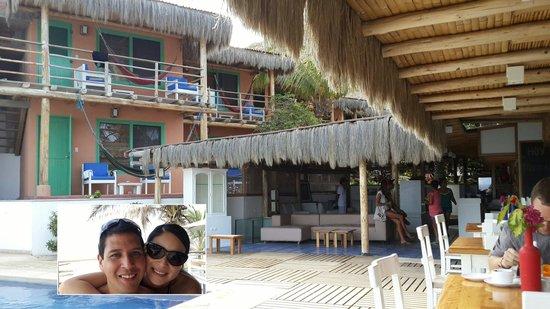 Puerto Palos: cuartos matrimoniales, comedor y piscina