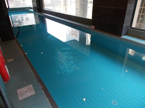 Metropark Hotel : Swimming pool
