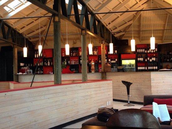 Noi Indigo Patagonia: Barra segundo piso