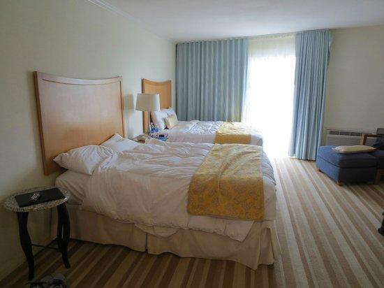 Sunset Beach Inn: Beds