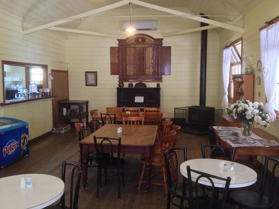 Coal Creek Community Park and Museum: Pig and Whistle cafe at Coal Creek