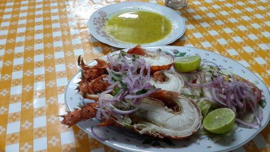 Arriba Peru : langosta con salsa gaullen..mejor es al ajio