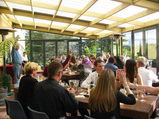 Cottle Hill Winery: Group wine tasting