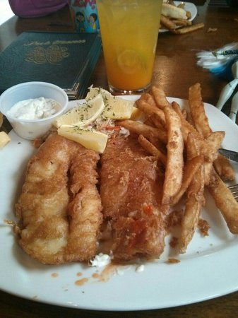 Grace O'Malley's Irish Pub : Fish and chips