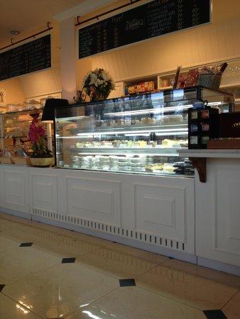 Wilaiwan Hua Hin: pastry counter
