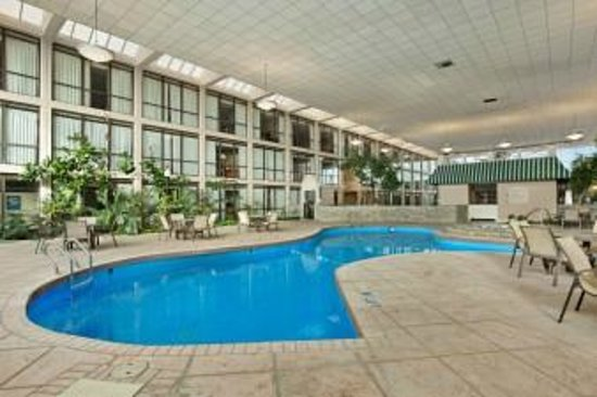 Days Inn Columbus Airport: Indoor Heated Pool