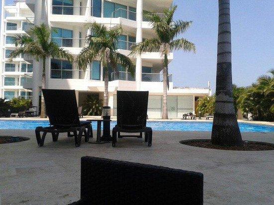 Sonesta Hotel Cartagena: La primera piscina